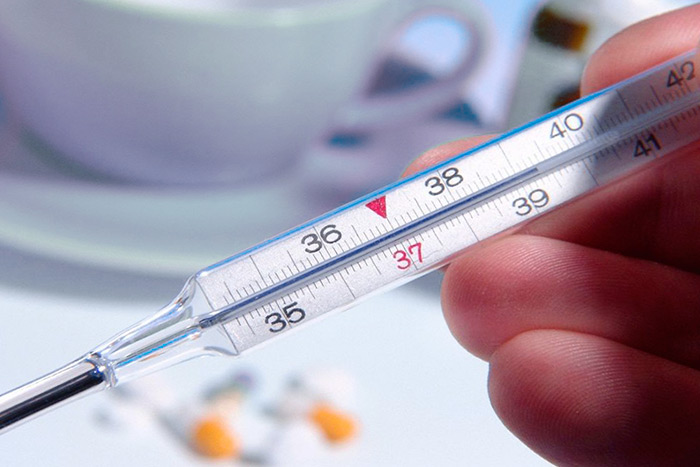 При энцефалите признаки: высокая температура, лихорадка